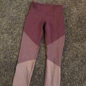 BBWOT Old Navy workout leggings! Dry fit:)